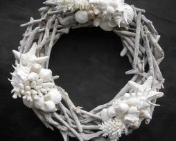 Driftwood Wreath with Coral and White Shells